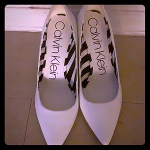 Calvin Klein pumps in white. Size 10 US